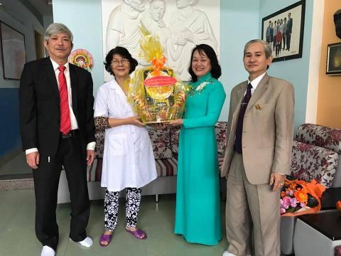 Thăm chúc mừng ngày thầy thuốc Việt Nam Nhân Ái An Cựu City