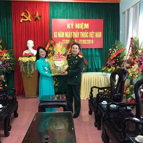 Thăm chúc mừng ngày thầy thuốc Việt Nam Quân Y Viện 268