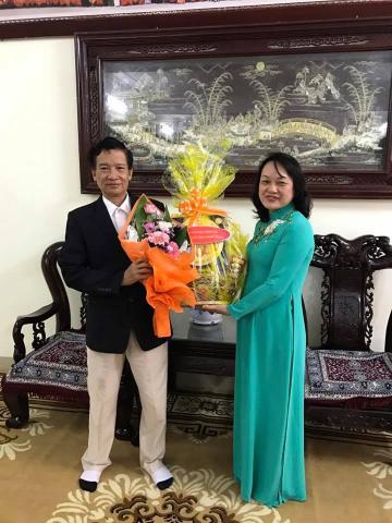 Thăm chúc mừng ngày thầy thuốc Việt Nam Tuệ Tĩnh Đường Liên Hoa