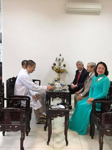 Thăm chúc mừng ngày thầy thuốc Việt Nam TTĐ Hải Đức